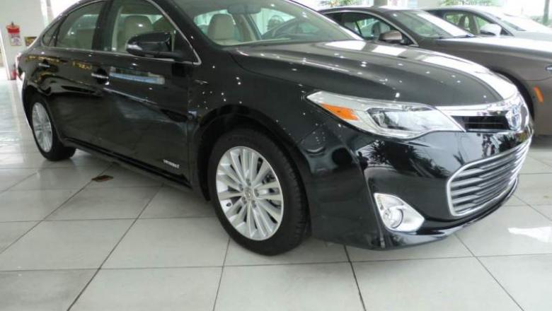toyota avalon limited hybrid 2014 - black3.jpg
